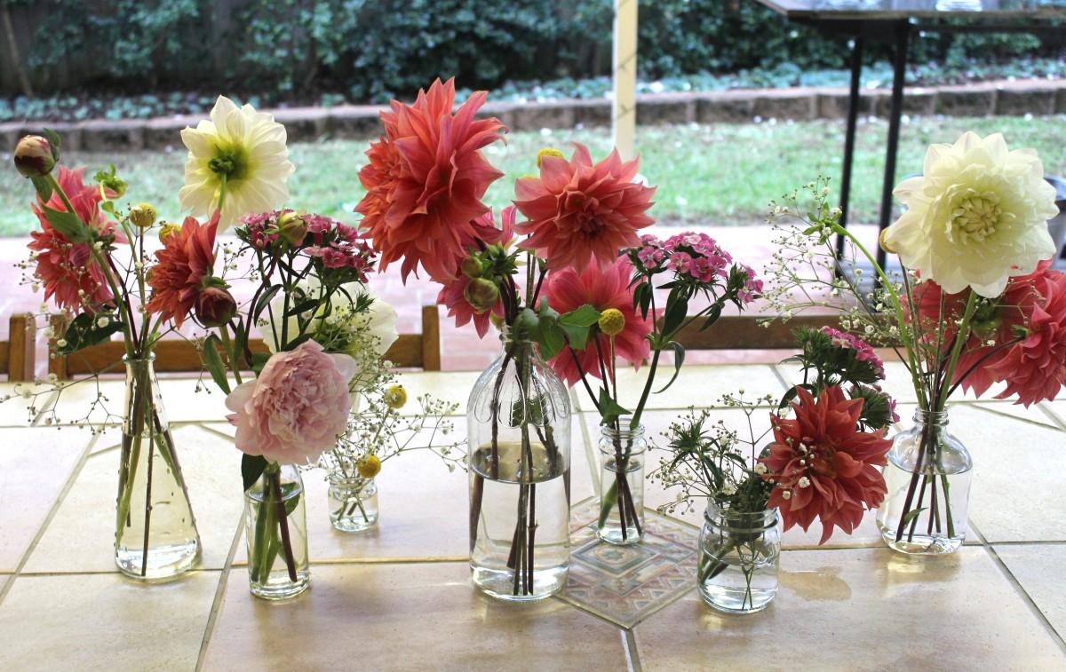 Bud Vase Flower Arrangements