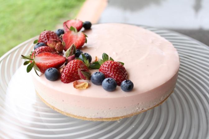 No Bake Berry Cheesecake